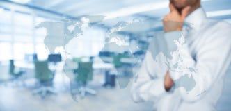 认为全球性和全球性通信 免版税库存图片