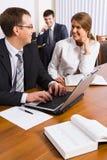 讨论工作 免版税库存照片