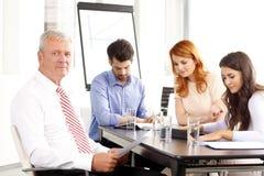 讨论的商业会议人 免版税图库摄影