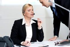 讨论的商业行政女性问题 库存照片