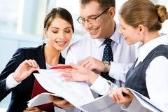 讨论的商业计划 免版税库存图片