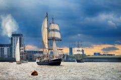 训练国际集合点高船赛船会的风帆 免版税库存图片