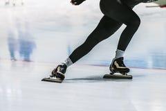 训练的速度溜冰者 库存图片