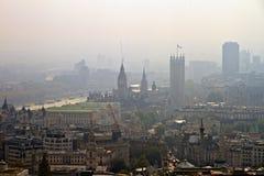 议会伦敦地平线、泰晤士和议院  免版税图库摄影