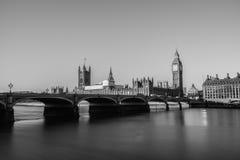议会伦敦议院在黑白的 库存照片