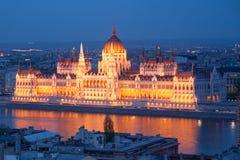 议会在布达佩斯,夜视图 库存照片