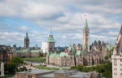 议会大厦在渥太华,加拿大 库存图片