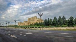 议会宫殿在布加勒斯特 库存照片