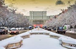 议会的宫殿在冬天季节期间的 免版税库存照片