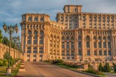 议会的宫殿在布加勒斯特,罗马尼亚 库存照片