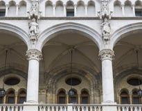 议会的阳台的细节 库存图片