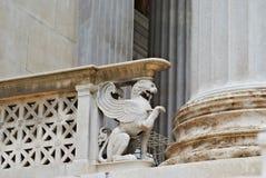 议会维也纳奥地利新来的人雕象  免版税库存图片