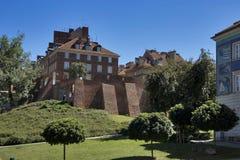 议院位于在老镇有Stara Prochownia剧院的波兰城市华沙 图库摄影