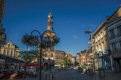 议院和塔在日落在蒂尔特的市中心 库存照片