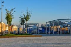 议院和现代公园在卡塔龙尼亚的西班牙莱里达省市 库存图片