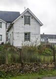 议院在一个村庄在北挪威 库存图片