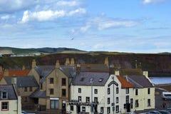 议院在Eyemouth,老渔镇在苏格兰,英国 07 08 2015年 库存照片