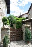 议院在Nernier,上萨瓦省法国中世纪村庄  免版税库存照片