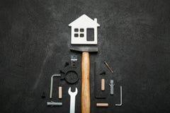 议院建筑,家庭工具概念 免版税库存图片