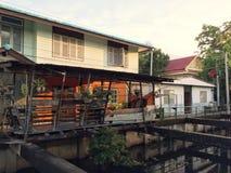议院是在水发行运河旁边 库存图片