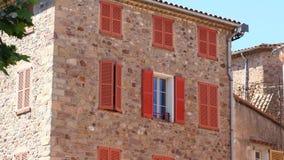 议院正面在法国海滨村庄 免版税库存照片