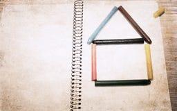 议院由颜色铅笔制成 免版税库存照片