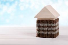 议院绝缘材料 省能源的家庭概念 库存图片