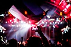 记录与手机的一个音乐会 图库摄影