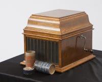 记录摇晃的音频球员爱迪生圆筒留声机的古色古香的葡萄酒 库存图片