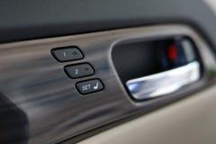 记忆在豪华汽车里面的位子技术 图库摄影
