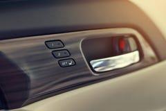 记忆在豪华车里面的位子技术 免版税库存图片