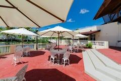 记忆Caribe手段地面惊人的美丽的景色,在旅馆大厅前面的露台 库存照片