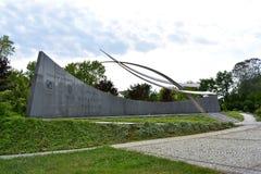 以记念波兰飞行员的纪念碑 图库摄影