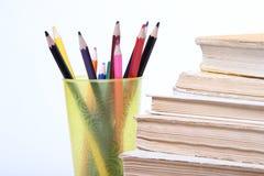 登记老栈 在玻璃的铅笔 免版税库存图片