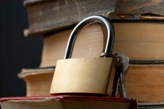 登记老键锁 免版税库存图片