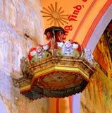 讲坛 被加强的中世纪教会在村庄Malancrav,特兰西瓦尼亚 库存照片