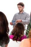 讲师谈话与学生 免版税库存图片