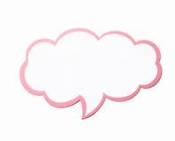 讲话泡影作为与在白色背景隔绝的桃红色边界的一朵云彩 复制空间 图库摄影