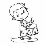 讲逗人喜爱的男孩动画片例证的图画演奏鼓和图画例证白色背景 库存照片