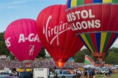 许多上升-布里斯托尔国际气球节日 库存图片