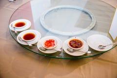 许多为开胃菜中国食物集合,在婚礼的中国人宴会调味 免版税库存图片