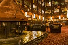 许多冰川旅馆就座区域 免版税库存照片
