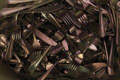 许多刀子利器照片的叉子关闭 免版税库存图片