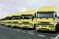 许多卡车 免版税库存照片