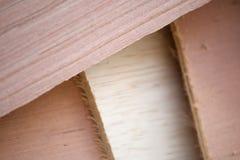 许多另外木头在建造场所的 免版税库存图片