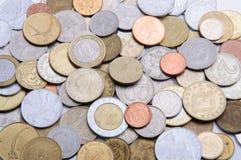 许多国家金属硬币  免版税库存图片
