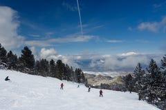 许多坡道滑雪 免版税库存照片