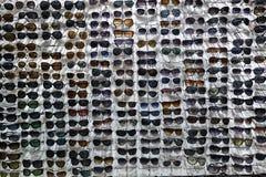 许多太阳镜 免版税库存照片