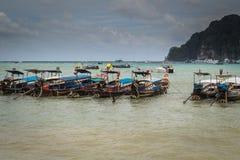 许多小船在发埃发埃海岛 图库摄影