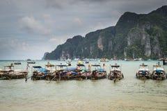 许多小船在发埃发埃海岛 免版税图库摄影
